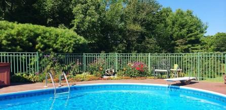 Side pool fb